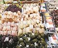 清明临近,时令食材受欢迎        青团、三色团这类以艾草或相关食材为主料的产品供不应求。
