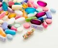 300超纲药纳入补充医疗险        2017年基本医保1档医保政策范围内门诊住院报销比例均超过92%。